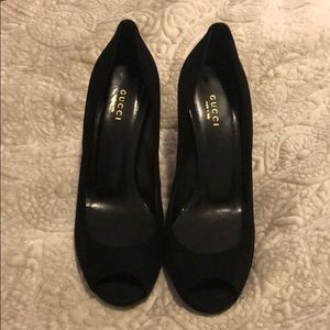 GUCCI ANTI-SLIP Black peep-toe Heels!!